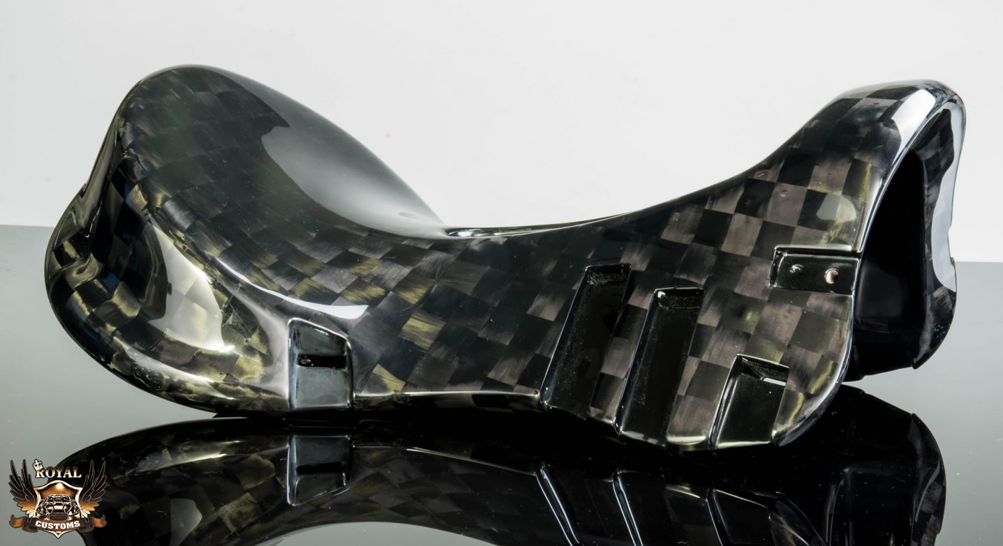 Royal Customs | Carbon Fiber & Custom Saddles